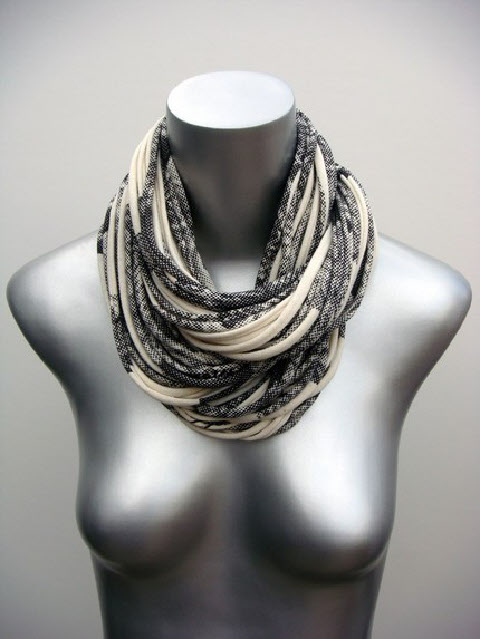 The Necklush Shown in Natural and Dark Gray