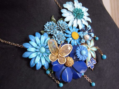 Blue statement necklace with vintage flowers