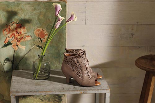 Naya Shoes