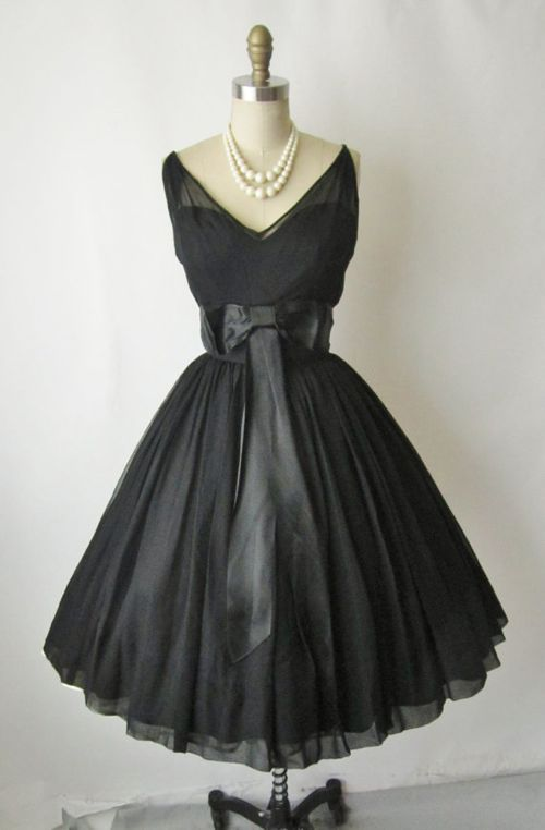 1950 39 s black cocktail dress feelgood style for Diy party dress