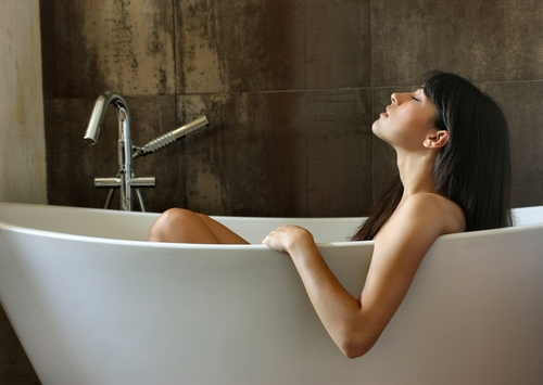 taking a bath with epsom salts