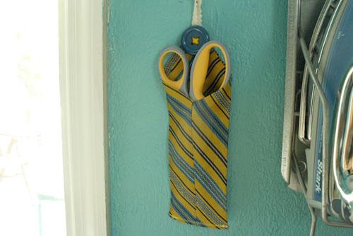 00-scissor-holder-hanging