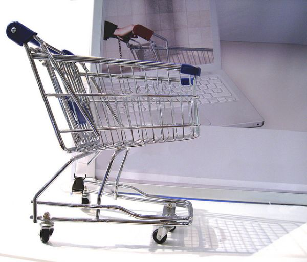 Online Shopping by alles-schlumpf