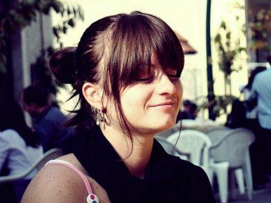 GirlSmiling by -Alina- at Flickr.com, cc