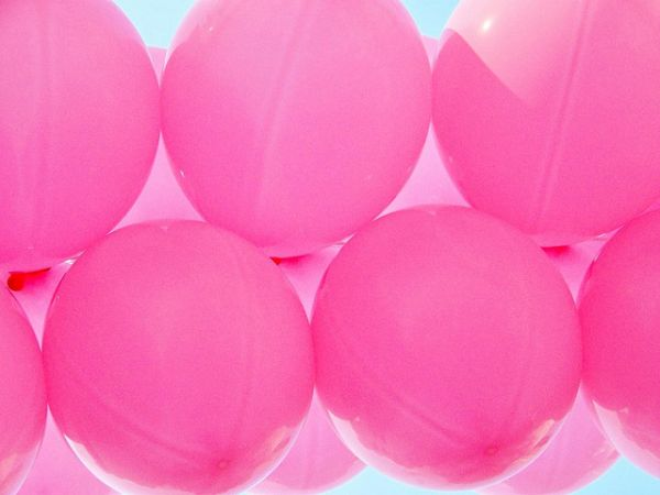 pink balloons by ladybugbkt