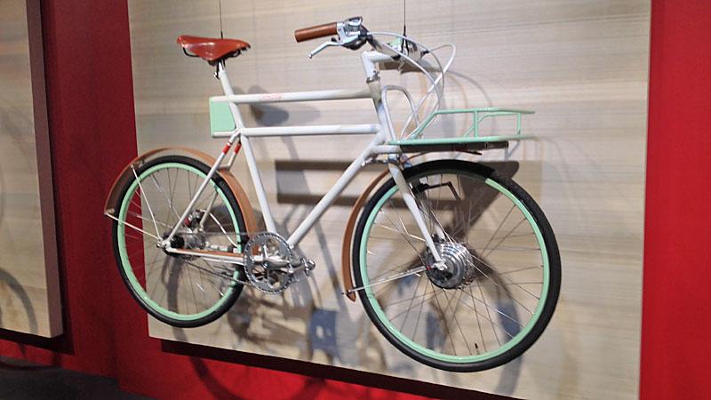 Bike Chic: Faraday Porteur eBike